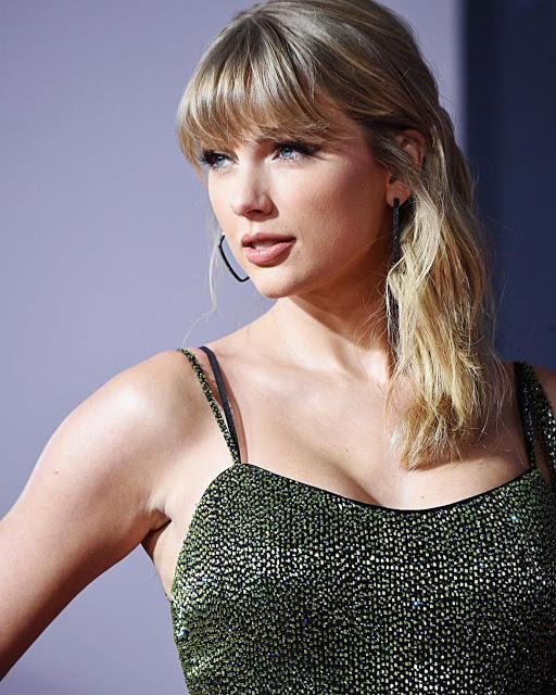 Taylor Alison Swift Wiki, Net Worth, Career, Education, Age, Social Life.