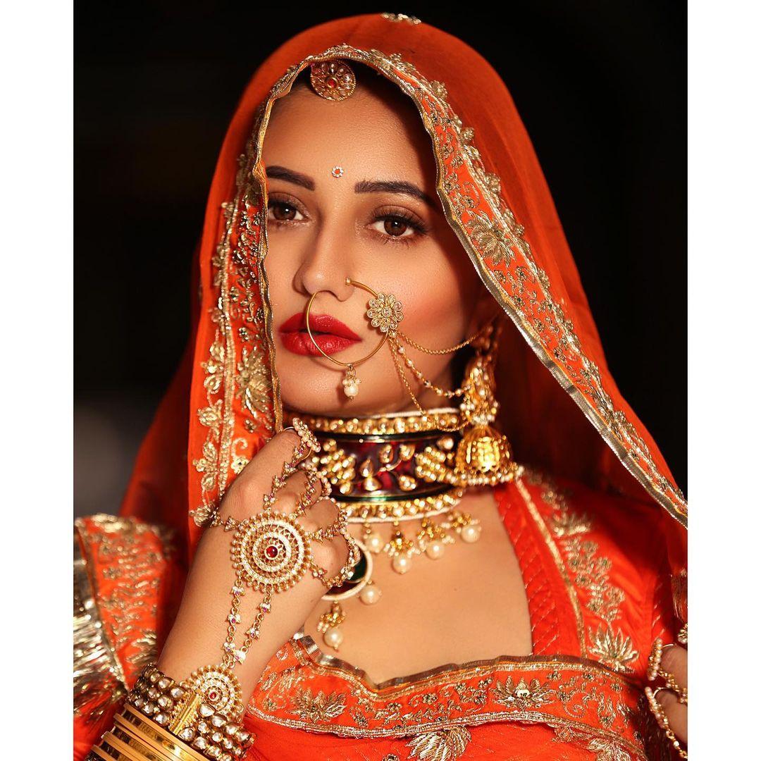 Rashmi Desai Bio, Family, Husband, Child, Career, Twitter, and Instagram