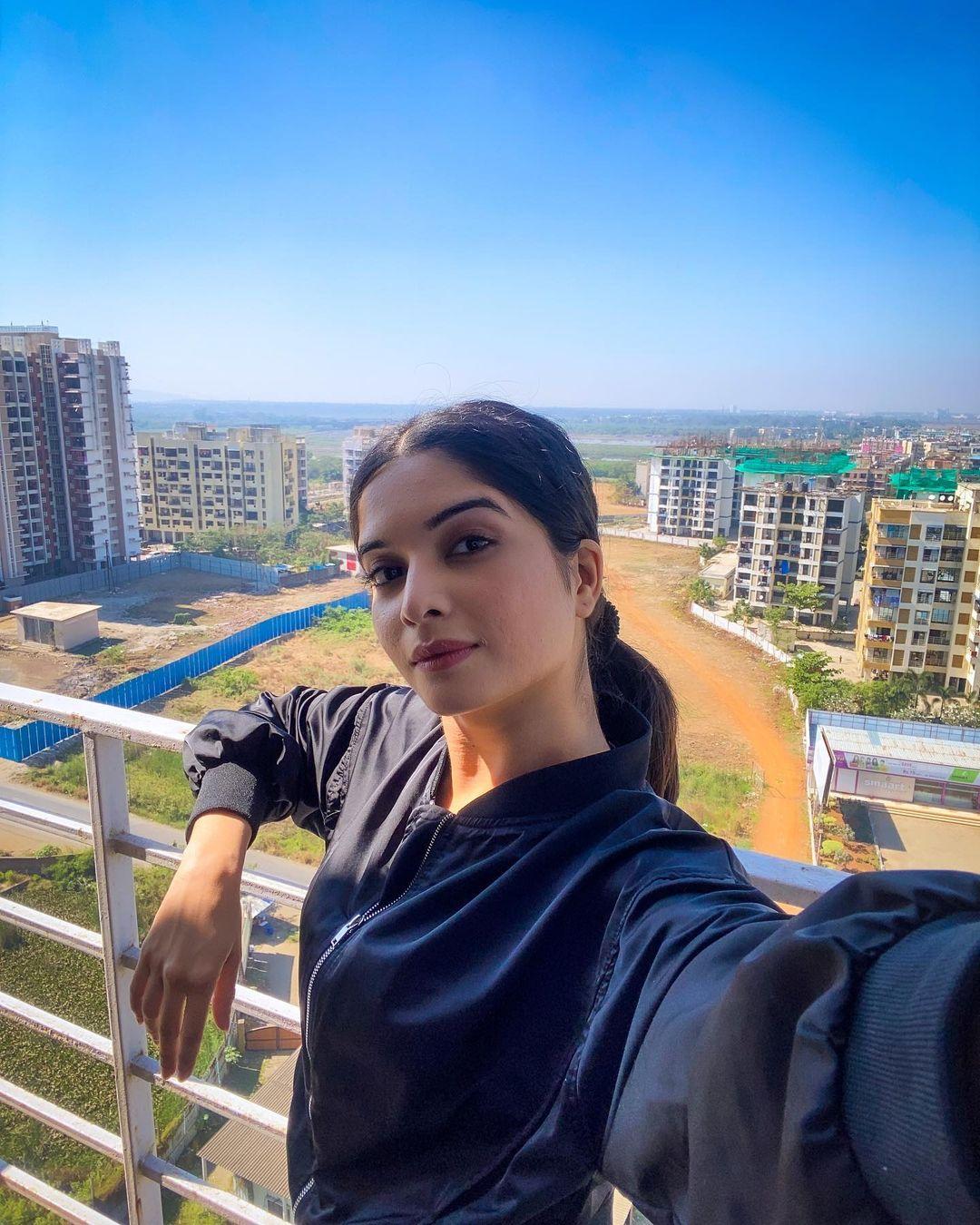 Bhavika Sharma Wiki, Bio, Success Story, Boyfriend, Family, and Career