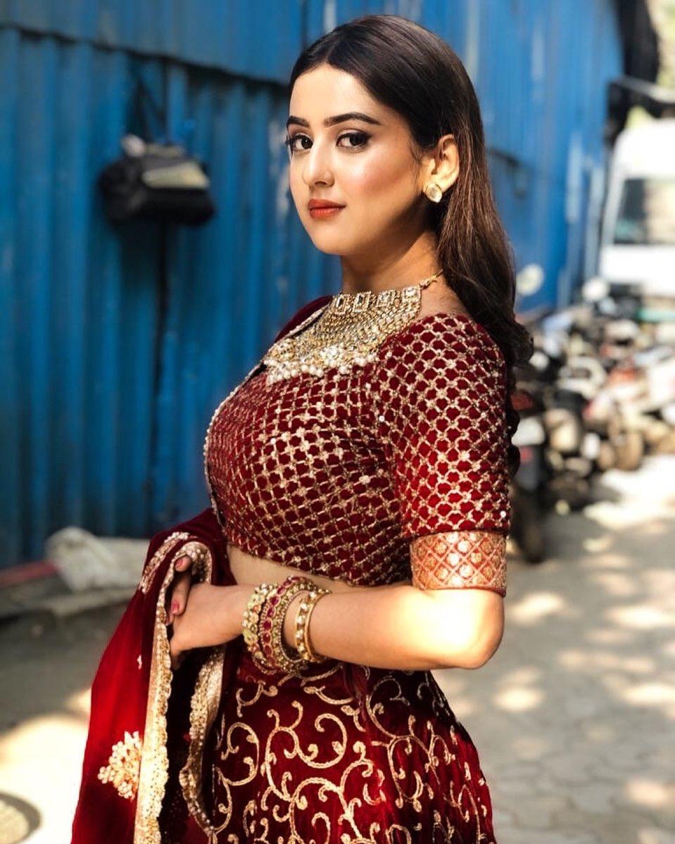 Riya Sharma Biography, Instagram, Age, Net Worth, Facebook, Parents, Boyfriend, Body Measurements, and Success Story