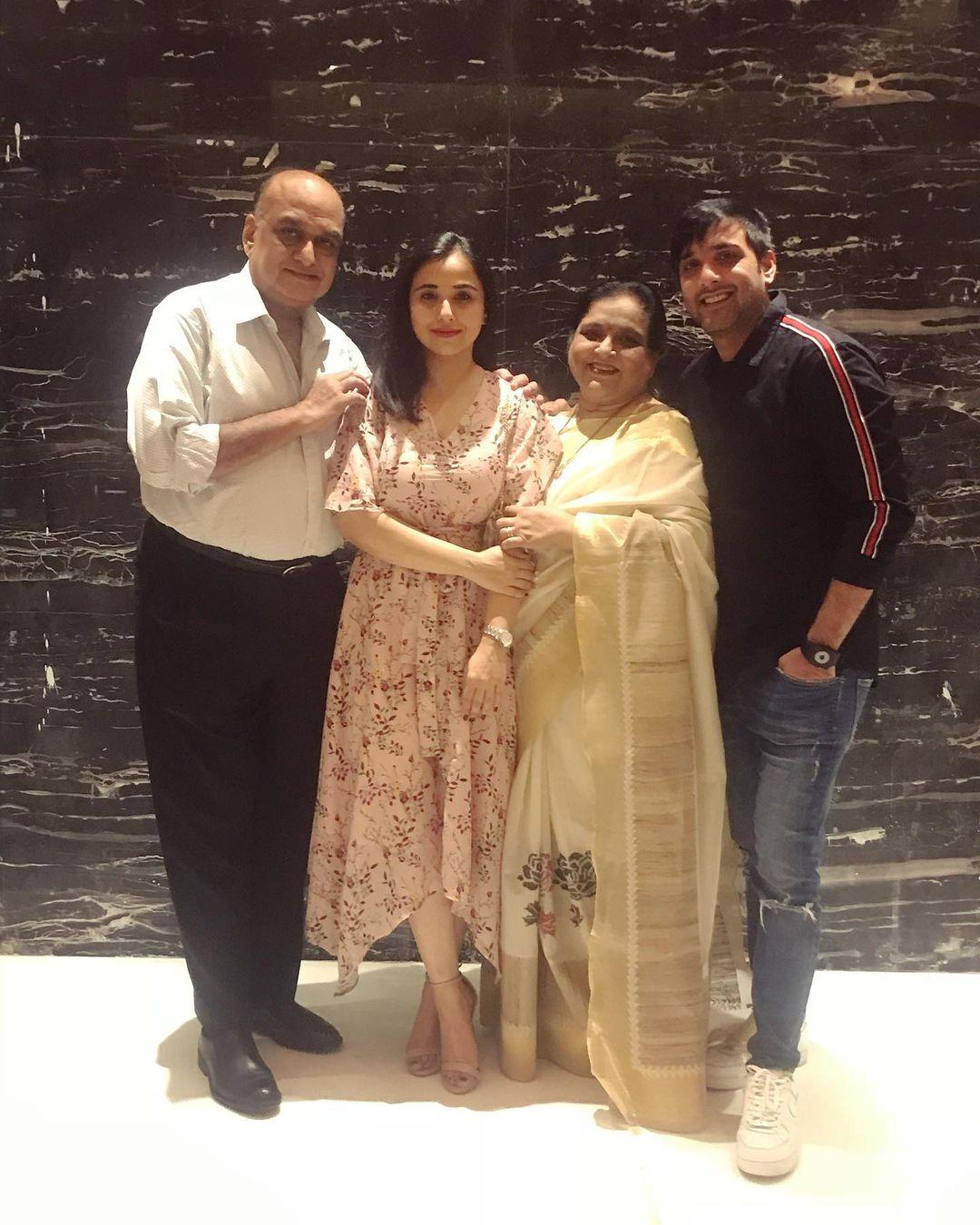 Tarun Kumar Bio, Age, Family, Career, Education,Net Worth and Instagram