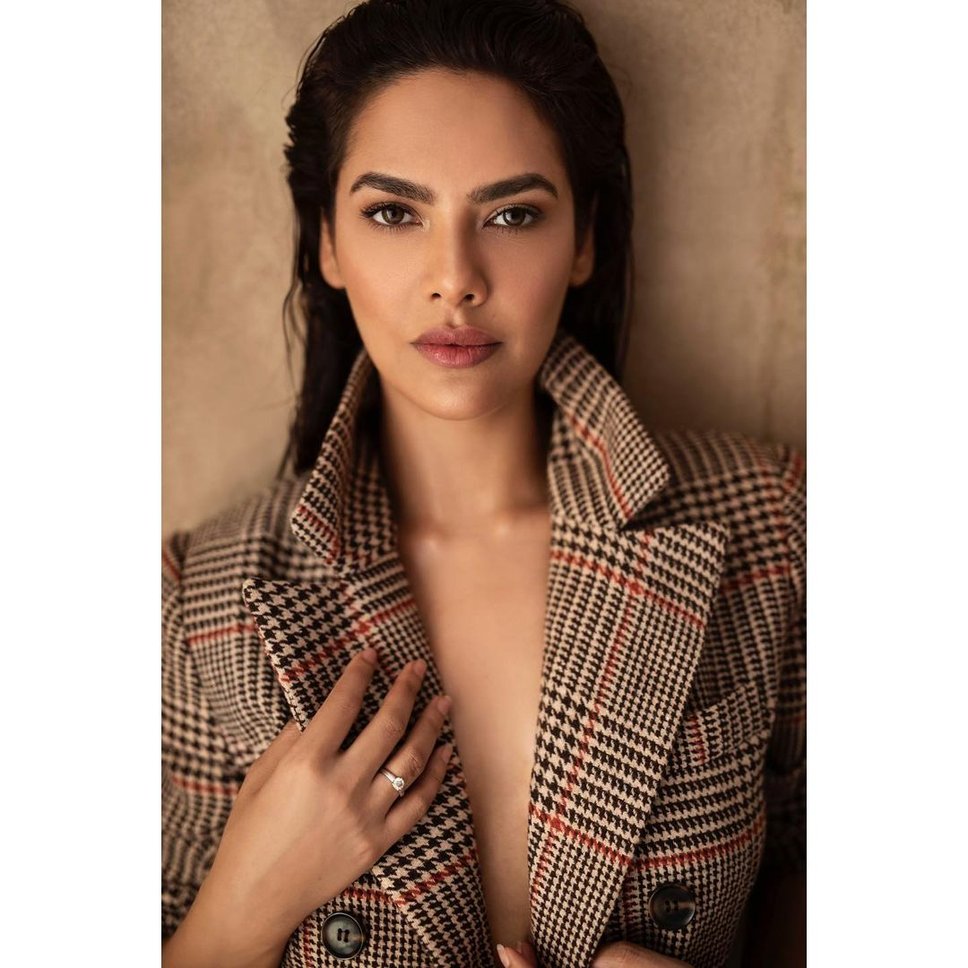 Esha Gupta Bio, Age, Family, Dating, Career, Net Worth, and Instagram